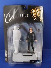 THE X-FILES SERIES 1 AGENT DANA SCULLY WITH BODY BAG & BED NIP 1998