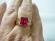 VINTAGE MENS UNISEX ART DECO 10K YELLOW GOLD RING WITH SQUARE CUT PINK GEM