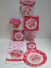 STRAWBERRY SHORTCAKE BIRTHDAY PARTY SET  - 9 PACKAGES OF PARTY SUPPLIES