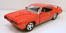 "Motormax 1969 Pontiac GTO Judge 1:24 scale 8.5"" diecast model car Orange M94"