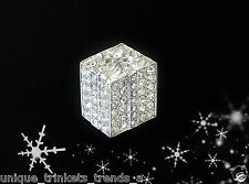 CHRISTMAS PRESENT BOW GIFT BOX SILVER PIN BROOCH~WHITE CLEAR RHINESTONE CRYSTAL
