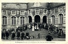 Saint-Fargeau Yonne La benediction des chiens au chaiteu St. Hubert 1942