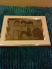 ONE DIRECTION 1D FRAMED LASER ETCHED PHOTO BRAND NEW GREAT PRESENT FOR FAN