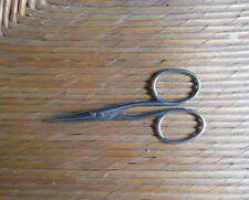 Ancienne petite paire de ciseaux pour dentelle, broderie - couture , mercerie