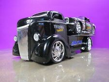 """JADA 1/24 1947 FORD COE FLATBED WITH 70 BOSS MUSTANG DRAGSTER """"TEQUILA SUNRISE"""""""