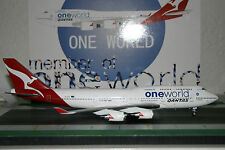 Inflight200 1:200 Qantas Boeing 747-400 VH-OEB 'OneWorld' (IF744030)