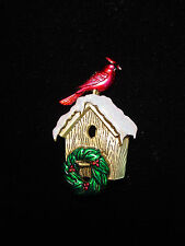 """JJ"" Jonette Jewelry Antique Gold Pewter CARDINAL Christmas Wreath Birdhouse Pin"