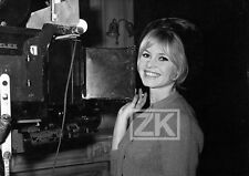 BRIGITTE BARDOT Cinemascope CAMERA Tournage Repos du guerrier Vadim Photo 1962