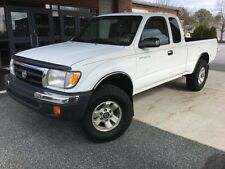 2000 Toyota Tacoma SR5 - Clean Carfax - 4x4  - Runs and Drives Great