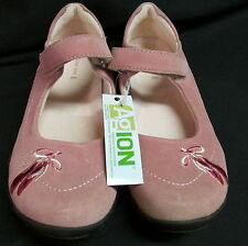 New Lands End Girls Pink Suede Mary Jane Style Sz 5M Embroidered Ballet Slippers