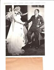 """MARION DAVIES & JACK WARNER on the set of """"Page Miss Glory""""/1935/press photo)"""