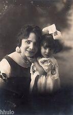 BL409 Carte Photo vintage card RPPC Femme portrait fillette enfant mère fille