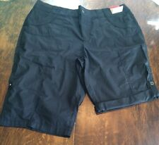 NWT Women's Black KHAKIS & COMPANY Convertible Length Knit Bermuda Shorts 6