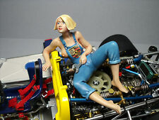 FIGURINE  1/18  PORSCHE  GIRL  UTE  VROOM  A  PEINDRE  FOR  EXOTO  1/18   SPARK