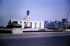 Privat Dia Foto Berlin Sowjetisches Ehrenmal Straße des 17. Juni Reichstag 1952