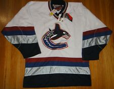 VANCOUVER CANUCKS LICENSED PRO PLAYER MEDIUM JERSEY (M) BRAND NEW NWT VINTAGE