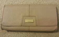BCBG PARIS CHIC CLUTCH PURSE COLOR MOCHA B-0097 F34 BCBG.COM MSRP $78 NWT