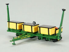 1986 JOHN DEERE 7200 6 ROW MAXEMERGE 2 PLANTER 1/64 BY SPECCAST JDM257