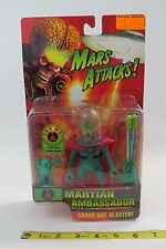 TIM BURTON - MARS ATTACK - 1996 - MARTIAN AMBASSADOR - WITH FIRING CHAOS RAY -