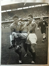 photo press football  World Cup 1958 Brazil-   France blessure de Jonquet  259