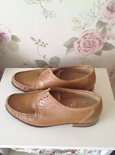 Grenson true moccasin shoes tan size 7.5