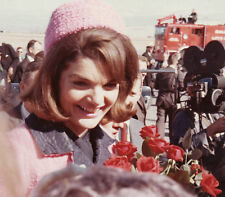 Jacqueline Kennedy Onassis UNSIGNED photo - D454 - GORGEOUS!!!!!