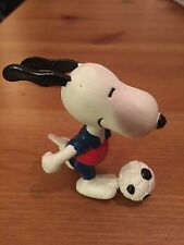 Snoopy Peanuts Rubber Olympic football player Collectable Rare Vintage Classic
