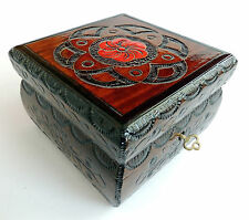 BRAND NEW HAND CRAFTED WOODEN JEWELLERY/TRINKET BOX
