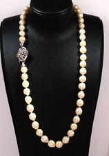Klassische Perlkette (585 Weißgold) mit Rubinen