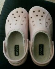 Crocs with lining size 5-7. classic fuzz lined clogs