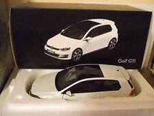 VW GOLF 7 VII GTI 2013 oryxweiß von NOREV 1:18 NEU & OVP