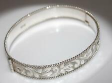 VINTAGE STERLING SILVER ETCHED WIDE PRETTY BANGLE Birmingham 1979 / W 645