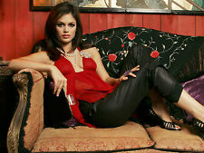 Rachel Bilson Unsigned 8x10 Photo (44)