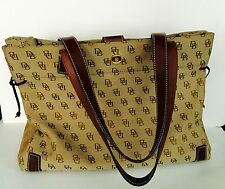 WONDERFUL......AUTHENTIC DOONEY and BOURKE SHOULDER BAG