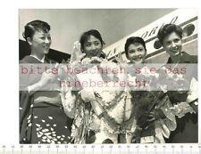 ORIGINAL PRESSEFOTO:1958 BERLIN MICHI TANAKA - JUMIJI TSUKIOKA - HITOMI NAKAHARA