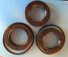 ROVER P4 rear axle seal kit, diff pinion seal (1), hub seals(2), hub O ring (2).