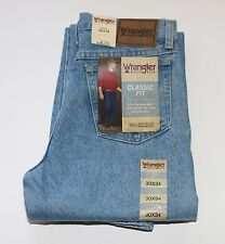 New Wrangler Rugged Wear Classic Fit jeans Size W30 L34 Light Stone Color