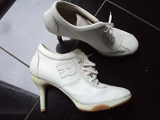RUCO LINE WHITE ANKLE BOOTS SIZE 7 (40)