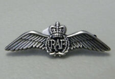 CANADIAN RAF ROYAL AIR FORCE WWII WINGS EMBLEM LOGO PIN BADGE 1.5 INCHES
