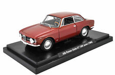 Alfa Romeo Giulia GT 1300 Junior (1966) 1:24 Quattroruote Collection Die Cast