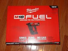 Milwaukee M18 16ga Angled Finish Nailer Kit 2742-21CT w/ Battery & Charger - NEW