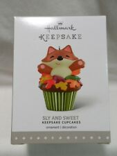 2015 Hallmark Ornament Sly and Sweet Keepsake Cupcakes #2 B53