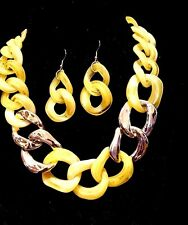 CHUNKY MARBLE YELLOW & GOLD ACRYLIC FLAT CHAIN LINK CHOKER NECKLACE LUCITE