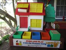1966 *RARE* PUSH AND PLAY HOUSE WITH THE PEANUTS GANG CHARLIE BROWN LUCY SNOOPY