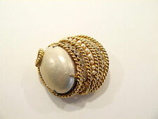 Gorgeous 1965 Coro Craft Faux Pearl & Rhinestone Brooch / Pin