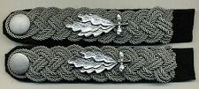 German army sew-in shoulder boards with metal cyphers + srew-in buttons