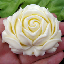 Unique Carved Tridacna Flower Pendant Bead C79