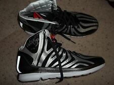 Louisville Cardinals Adidas Basketball Wayne Blackshear Game used signed shoes