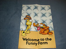 GARFIELD VINTAGE BOOKS, BUTTONS, CARDS, ODIE PLUSH, BAGGIE, CALENDAR, POSTERS