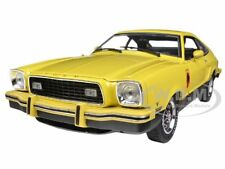 1976 FORD MUSTANG  II STALLION YELLOW/BLACK 1/18 MODEL CAR BY GREENLIGHT 12889